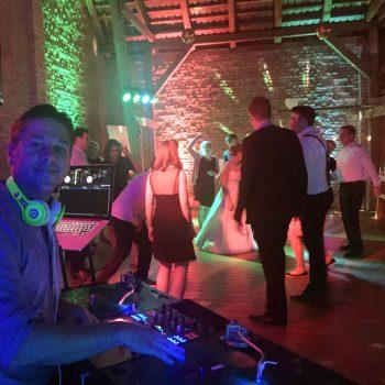 DJ CrossCut im Land & Scheune Rohlsdorf Brandenburg