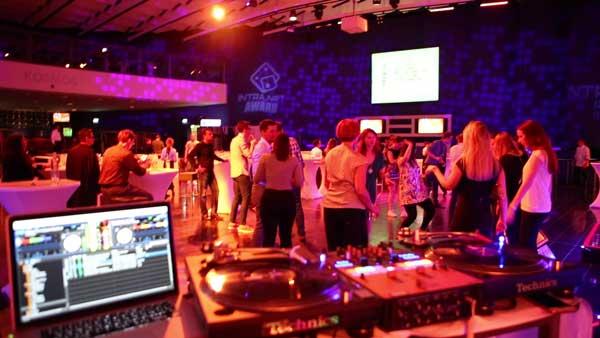 Kosmos Tanzfläche 2 - Event im KOSMOS Berlin
