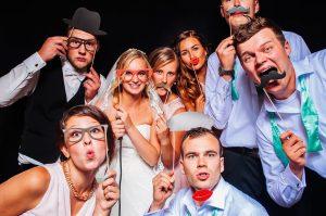 Fotobox hochzeit berlin 1 300x199 - Eine Fotobox auf deiner Hochzeit– Der Spassbringer für Jung und Alt