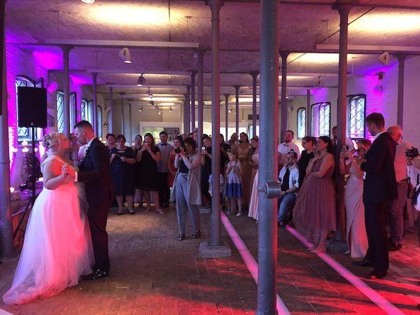 Ochsenstall DJ 10 600x450 - Ochsenstall (Schloss Britz) - Heiraten in Berlin mit DJ