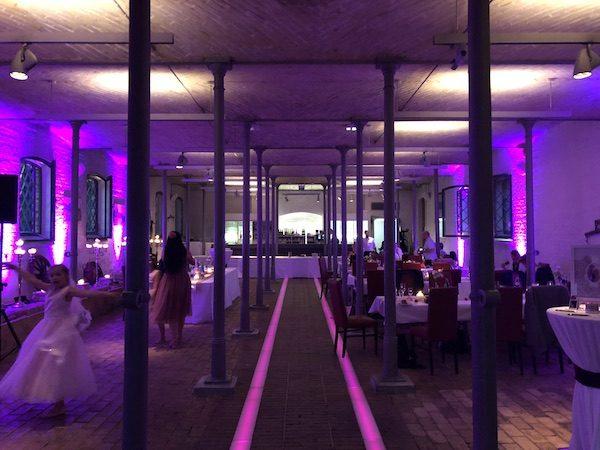 Ochsenstall DJ 11 600x450 - Ochsenstall (Schloss Britz) - Heiraten in Berlin mit DJ