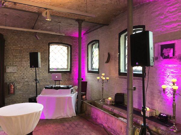 Ochsenstall DJ 3 600x450 - Ochsenstall (Schloss Britz) - Heiraten in Berlin mit DJ